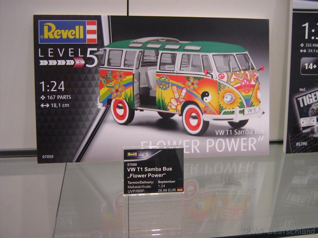 Revell_53.jpg
