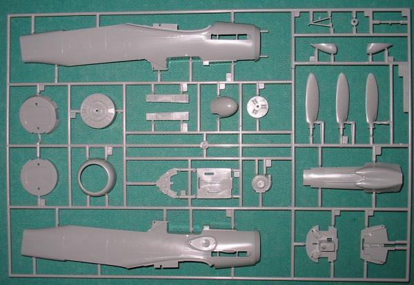 Focke wulf 190 D9 revell 1:32: Revell_Fw-190D9_03